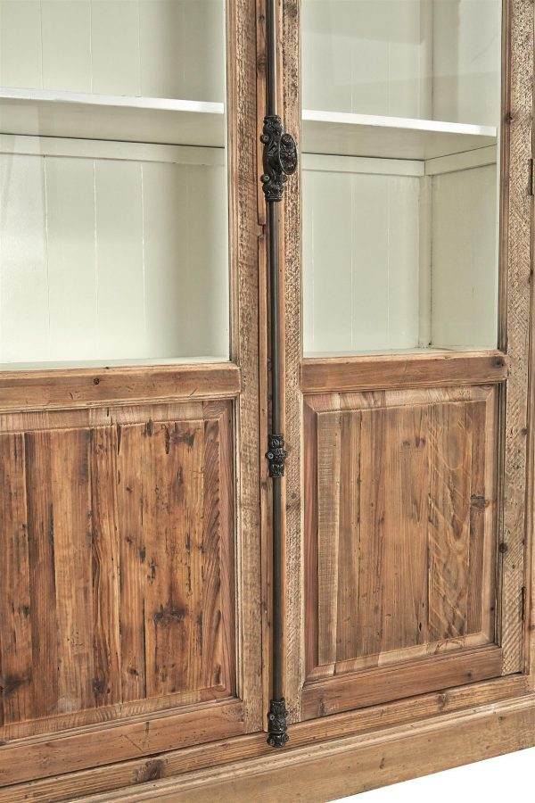 Willoughby Cabinet - Detailed View